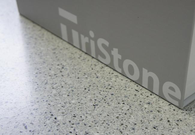 ������������� ��������� ������ TRISTONE